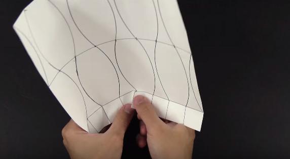 Cách xếp lọ hoa giấy theo phong cách Origami - bước 3