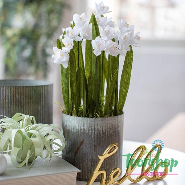 Làm hoa thủy tiên giấy nhún trắng tinh khôi