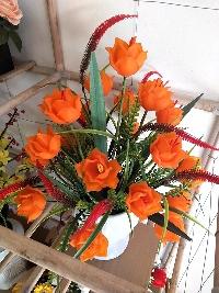 Bình hoa Tulip đá màu cam 02