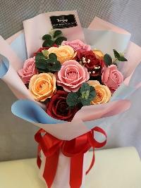 Bó hồng giấy 18 bông Gửi Trọn Niềm Tin 01