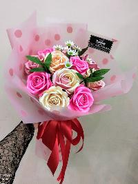 Bó hoa hồng giấy thơ ngây tình hồng