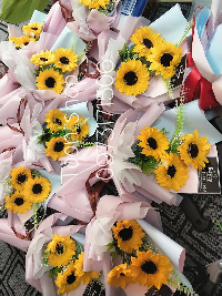 Bó hoa hướng dương sáp 3 bông