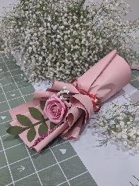 Bó hoa hồng giấy mỹ thuật đơn màu hồng