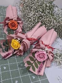 Bó hoa hồng giấy mỹ thuật đơn 3 màu