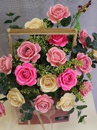 Lẵng hoa hồng giấy gửi trao yêu thượng 01
