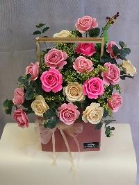 Lẵng hoa hồng giấy gửi trao yêu thượng 02