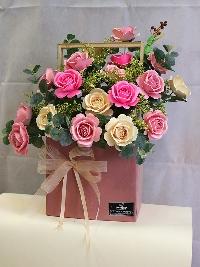 Lẵng hoa hồng giấy gửi trao yêu thượng 03