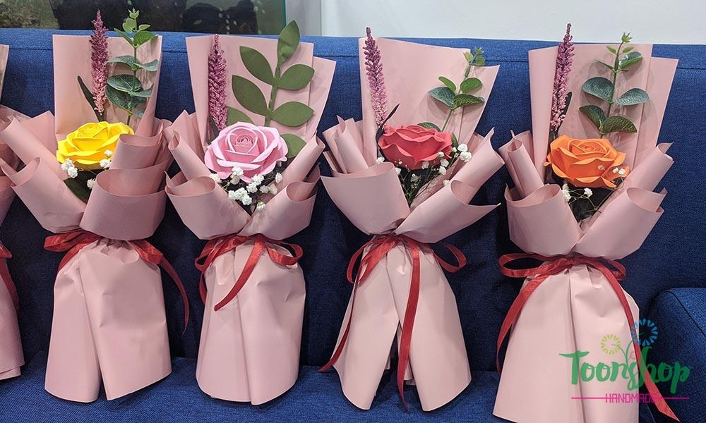 Bó hoa hồng giấy mỹ thuật đơn nhiều màu